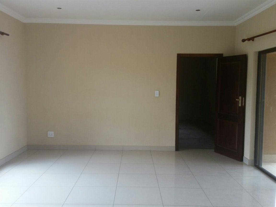 Three Rivers East property for sale. Ref No: 13424413. Picture no 4