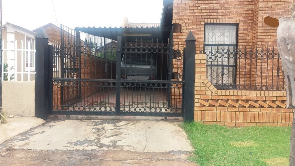 Soshanguve Bb property for sale. Ref No: 13552426. Picture no 1