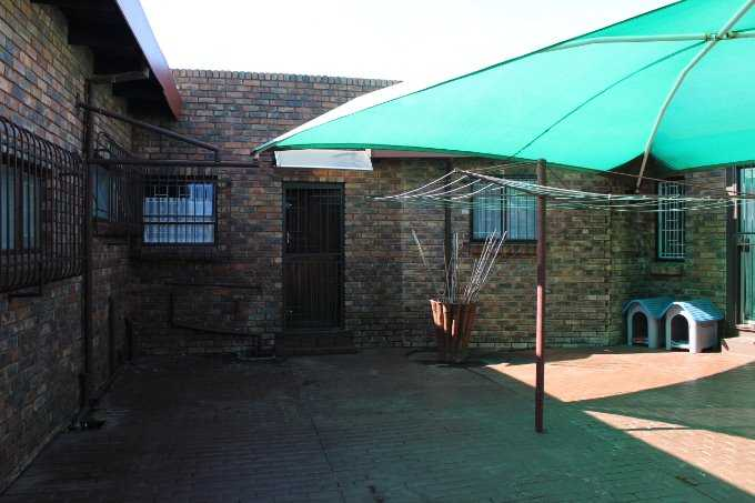 Theresapark property for sale. Ref No: 13568221. Picture no 4