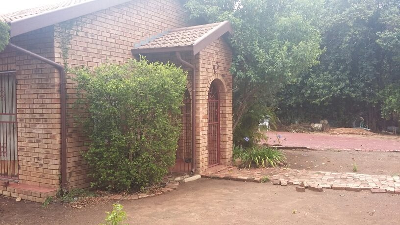 Theresapark property for sale. Ref No: 13564457. Picture no 3