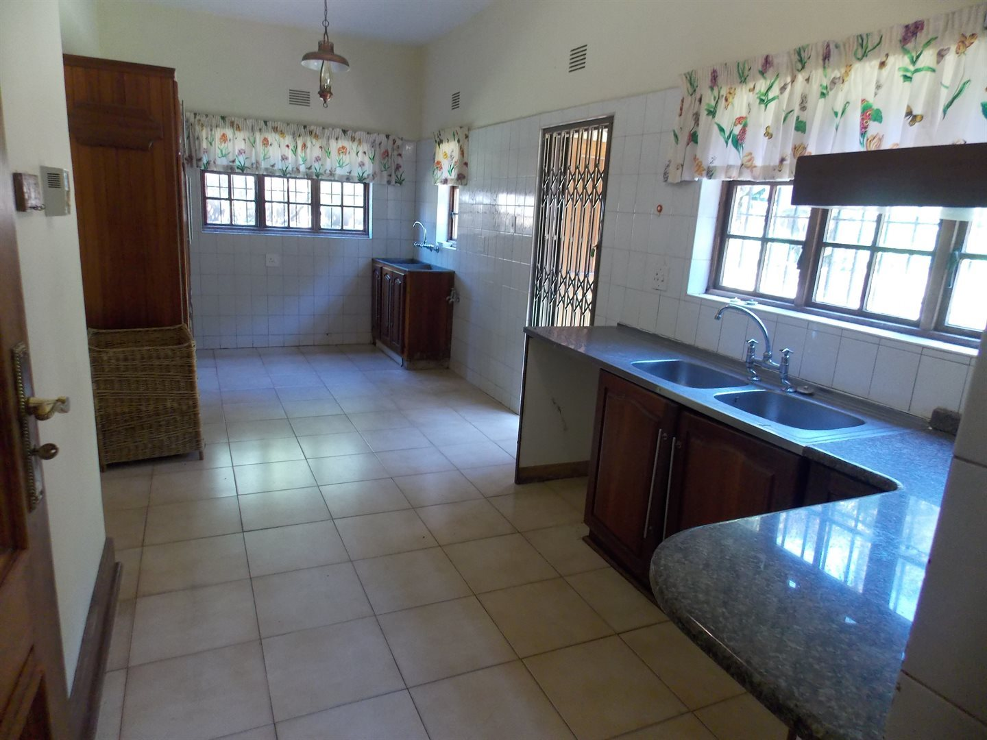 Panorama property to rent. Ref No: 13549750. Picture no 2