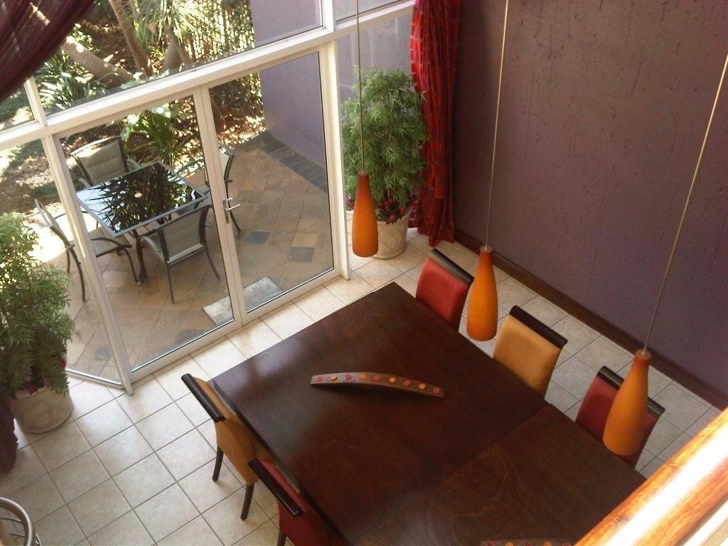 Glenvista property for sale. Ref No: 13500474. Picture no 8