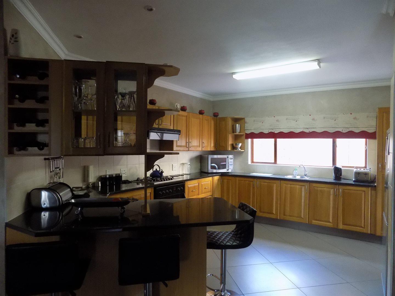 Eldoglen property to rent. Ref No: 13543361. Picture no 9