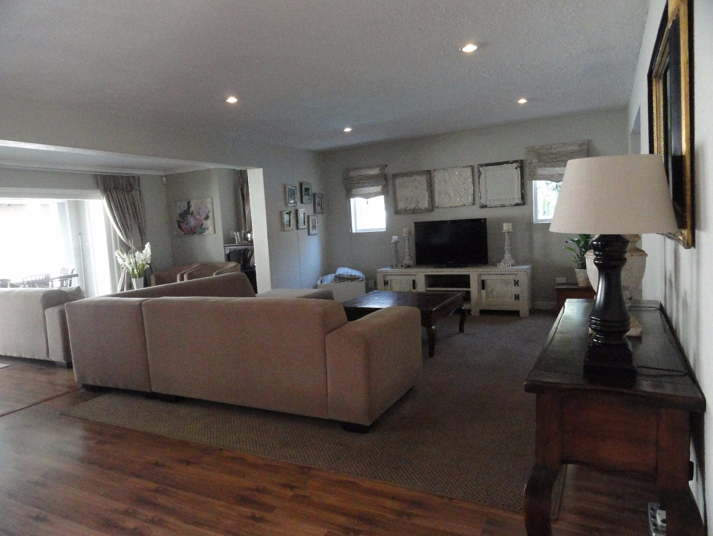 Silver Lakes Golf Estate property for sale. Ref No: 13489157. Picture no 2