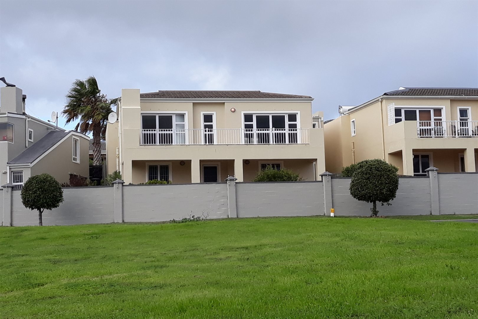 Property and Houses for sale in Milkwood Park, House, 4 Bedrooms - ZAR 2,800,000
