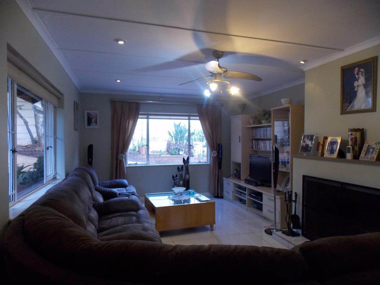 Mulbarton property for sale. Ref No: 13564299. Picture no 10