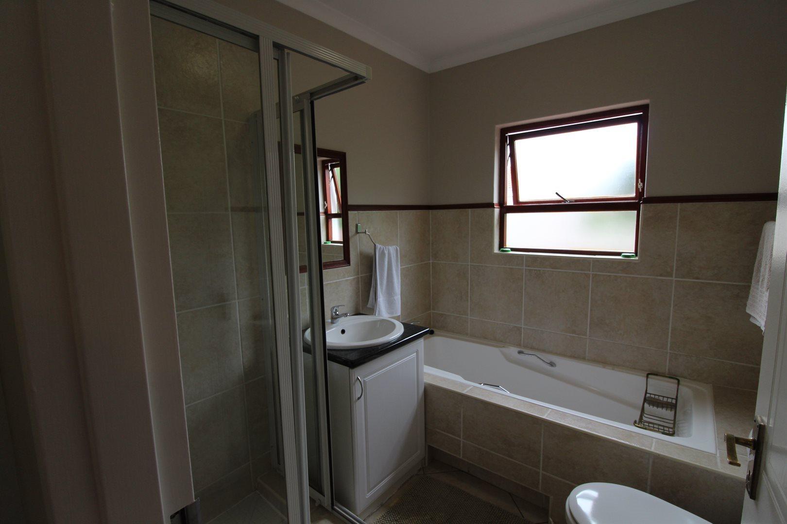 Bryanston property for sale. Ref No: 13551237. Picture no 28