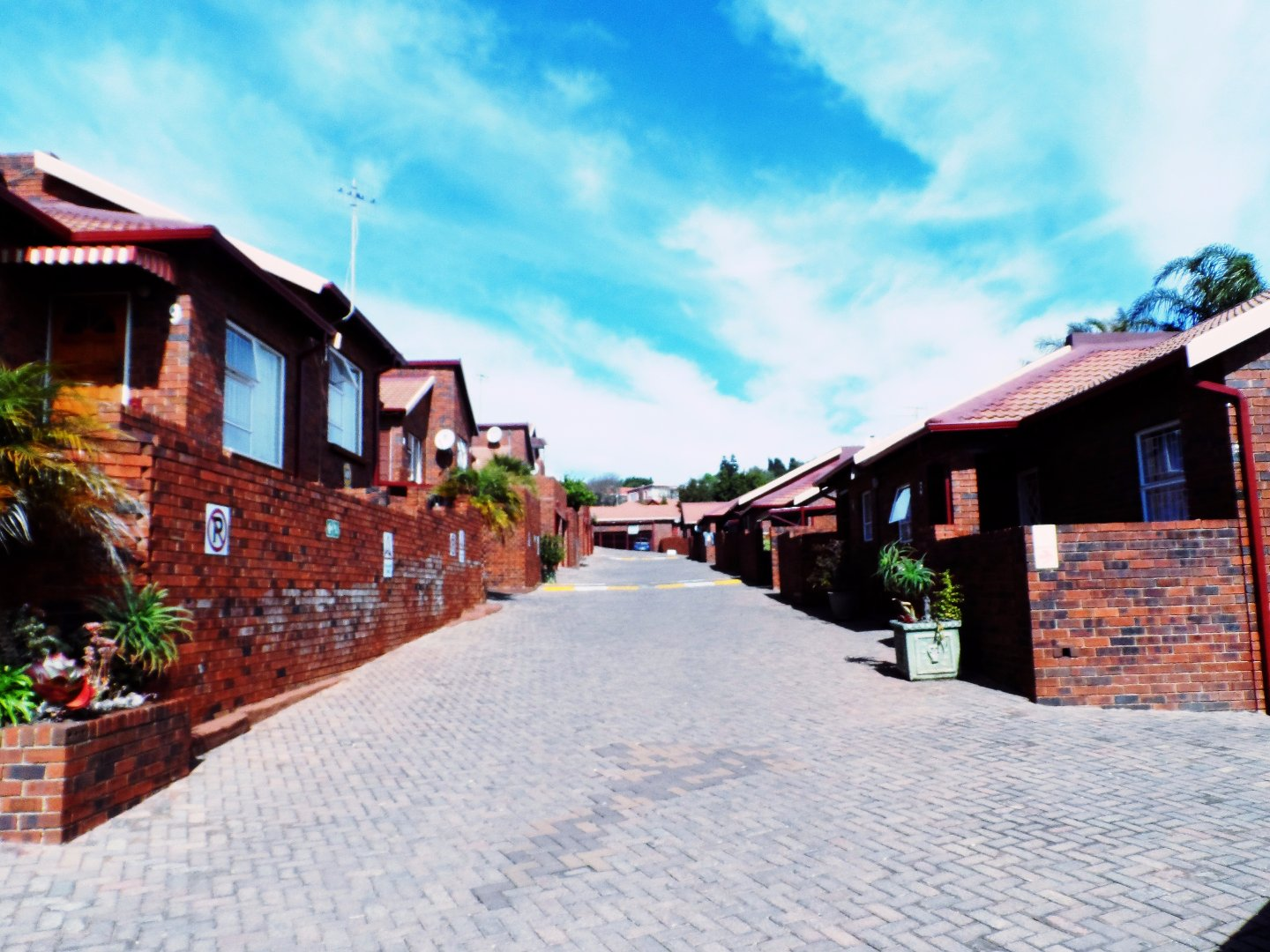 Roodepoort, Wilro Park Property  | Houses For Sale Wilro Park, Wilro Park, Townhouse 2 bedrooms property for sale Price:750,000