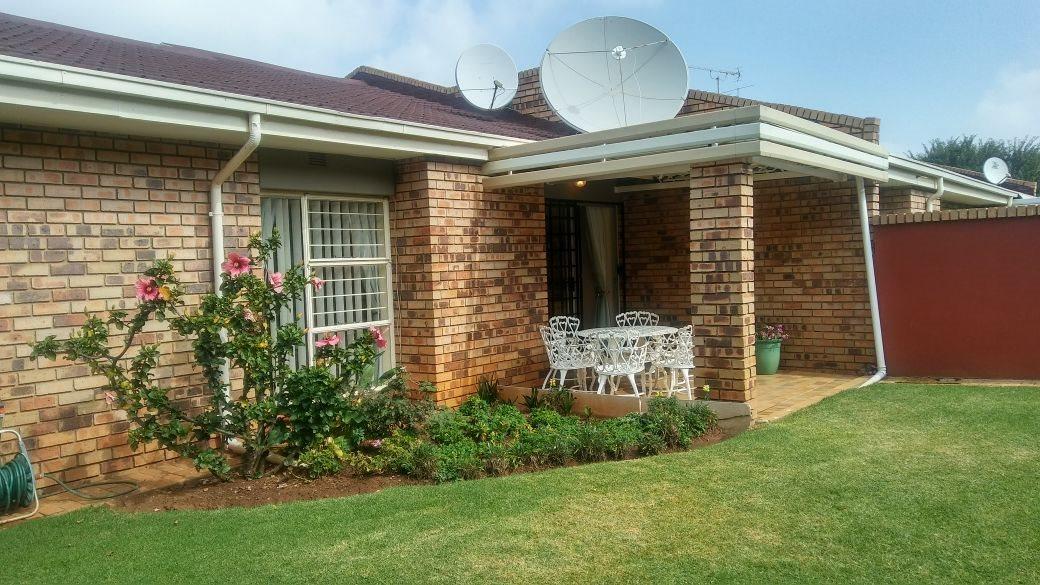 Krugersdorp, Rant En Dal Property  | Houses For Sale Rant En Dal, Rant En Dal, House 3 bedrooms property for sale Price:1,395,000