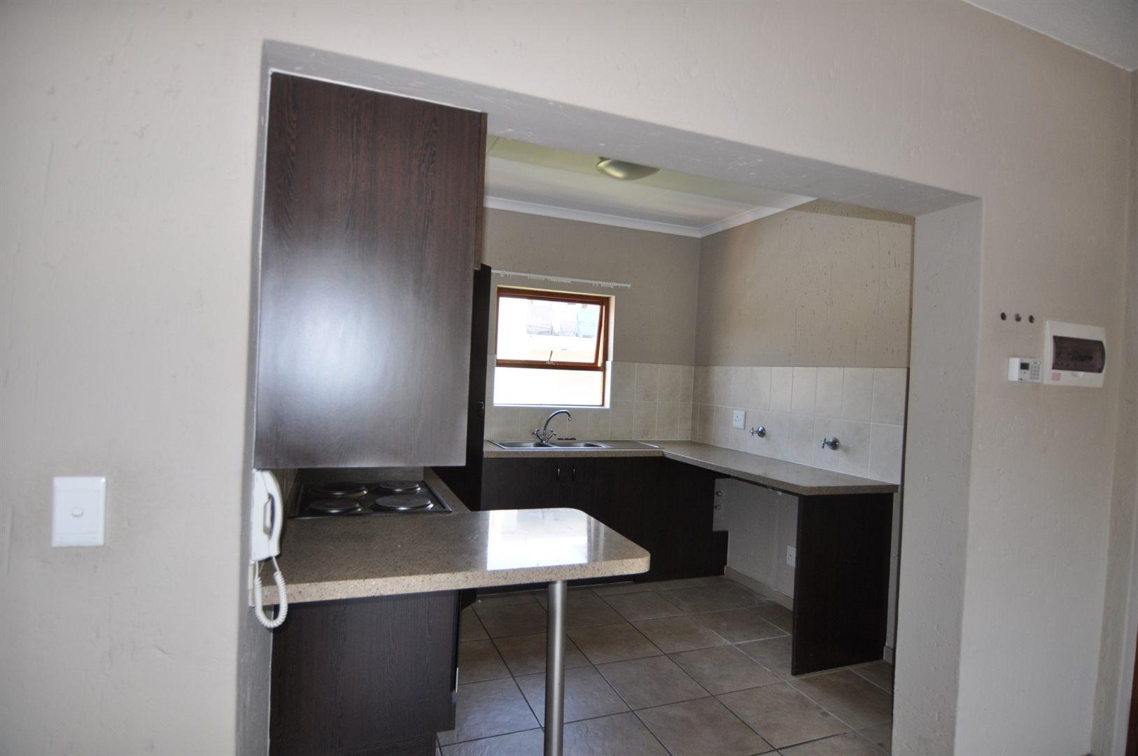 Douglasdale property to rent. Ref No: 13466650. Picture no 5