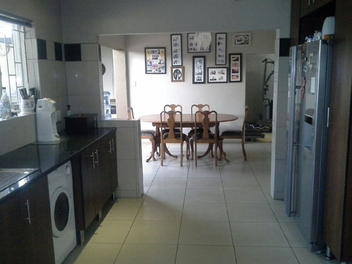 Three Rivers East property for sale. Ref No: 13273776. Picture no 3