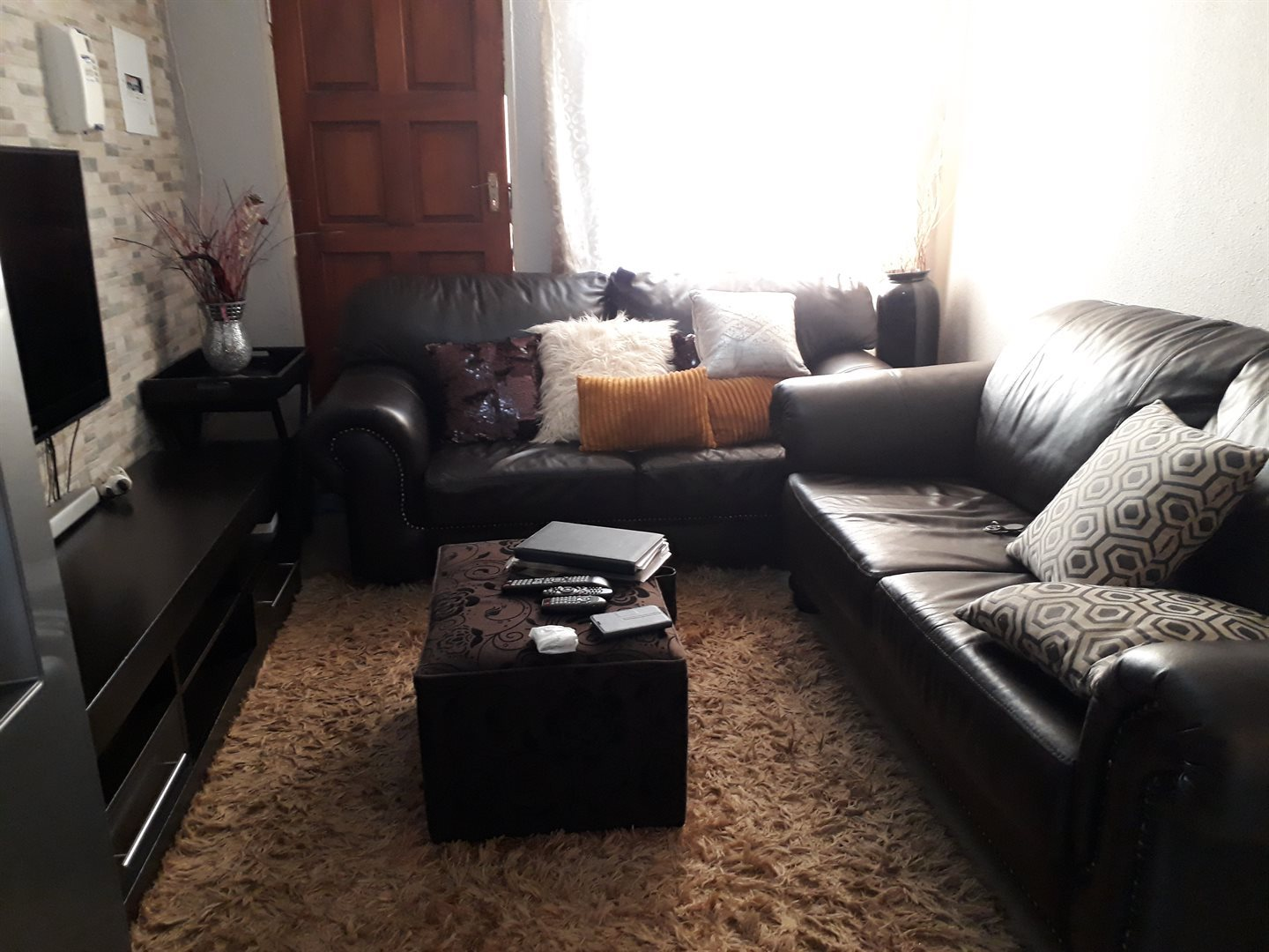 Olievenhoutbosch property for sale. Ref No: 13539800. Picture no 3