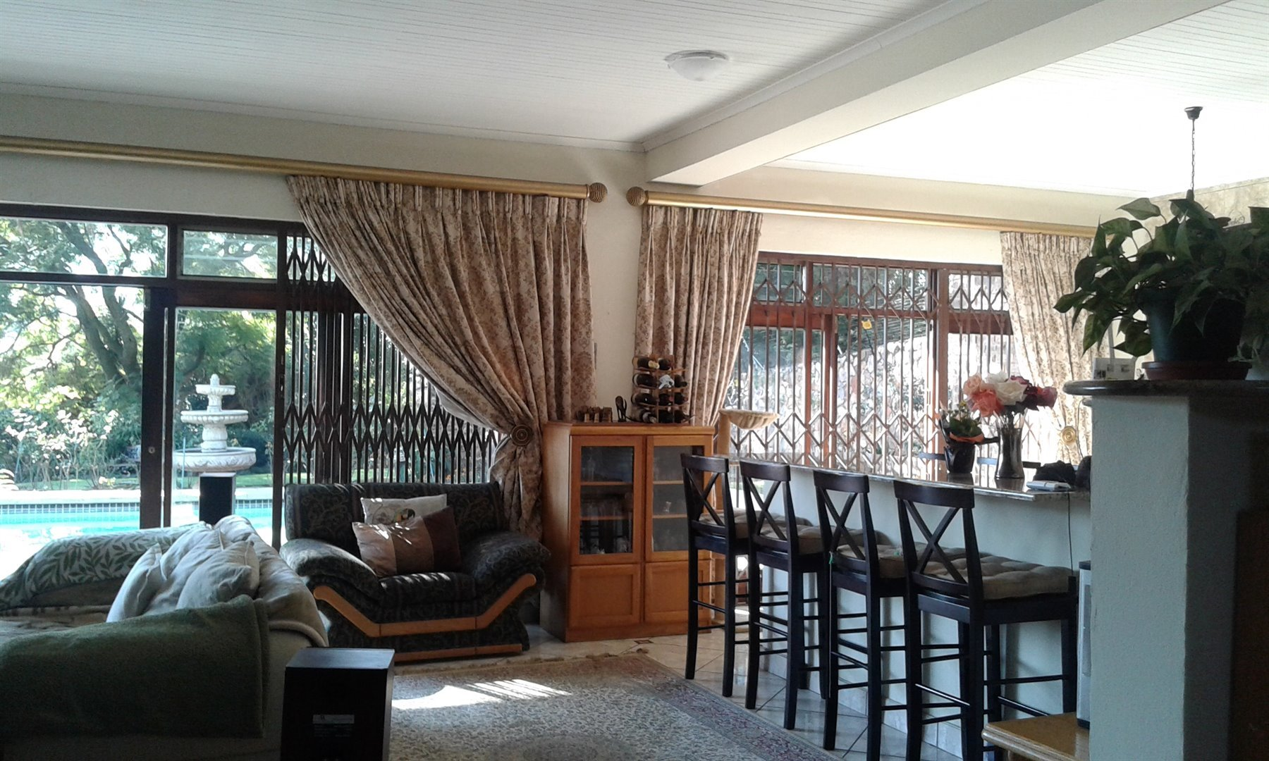 Northcliff property for sale. Ref No: 13487757. Picture no 2