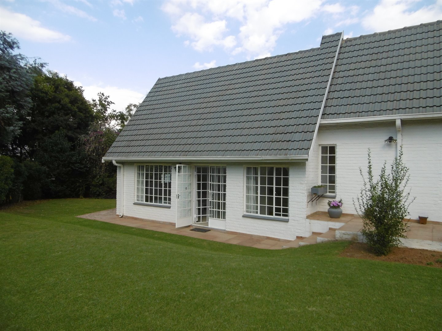 Bryanston & Ext property for sale. Ref No: 13482413. Picture no 5