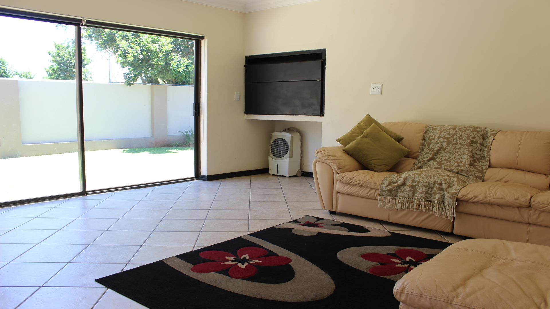Raslouw Manor property for sale. Ref No: 13435098. Picture no 5