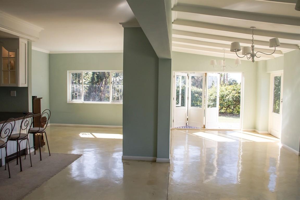 Widenham property for sale. Ref No: 13493005. Picture no 11