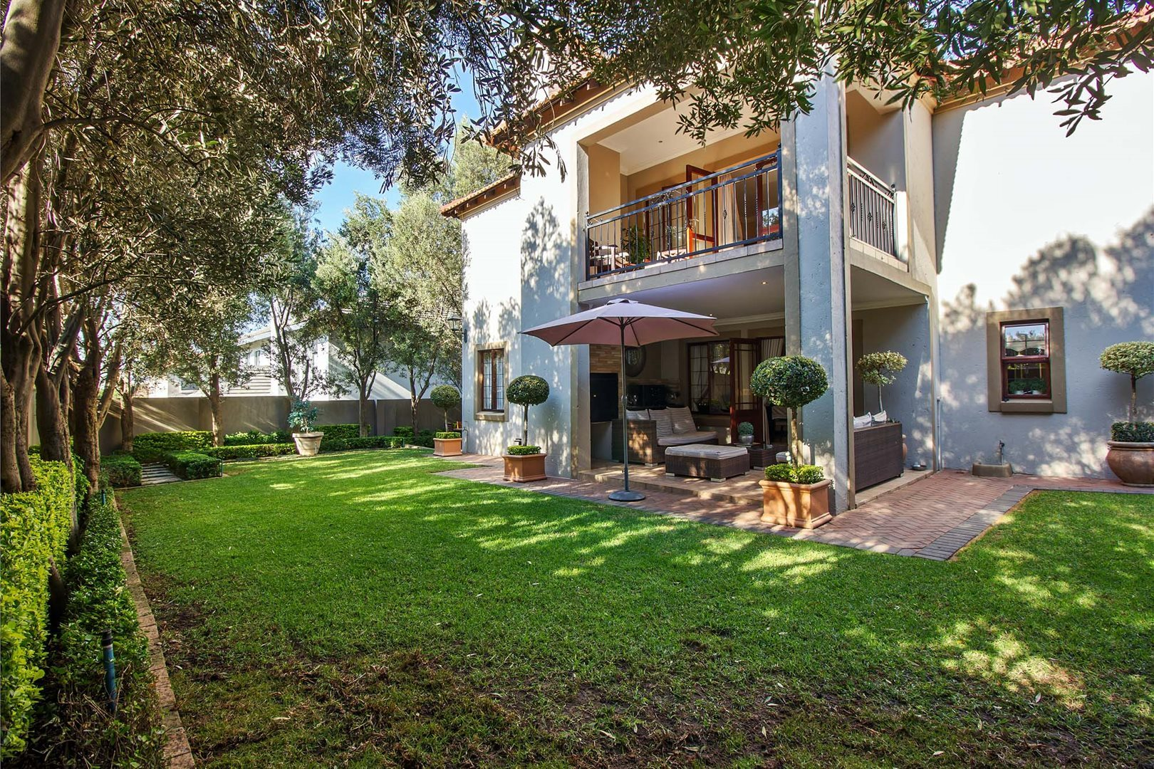 Property and Houses for sale in Leeuwenhof Estate, House, 4 Bedrooms - ZAR 2,450,000