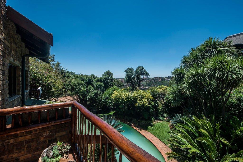 Glenvista property for sale. Ref No: 13529565. Picture no 27