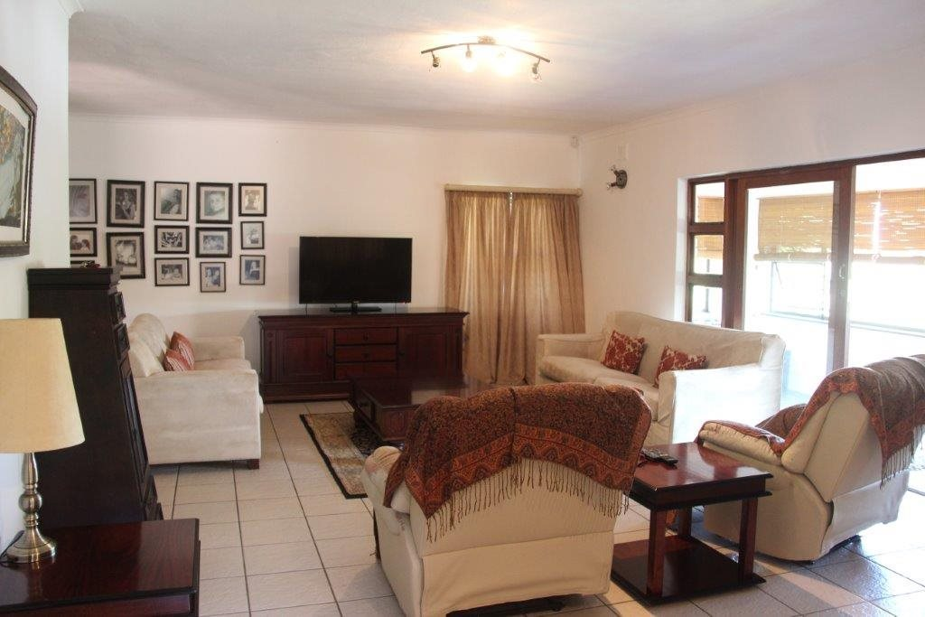 Uvongo property for sale. Ref No: 13529548. Picture no 21