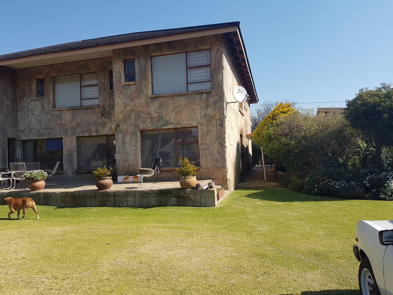 Krugersdorp, Krugersdorp West Property  | Houses For Sale Krugersdorp West, Krugersdorp West, Farms 16 bedrooms property for sale Price:5,990,000