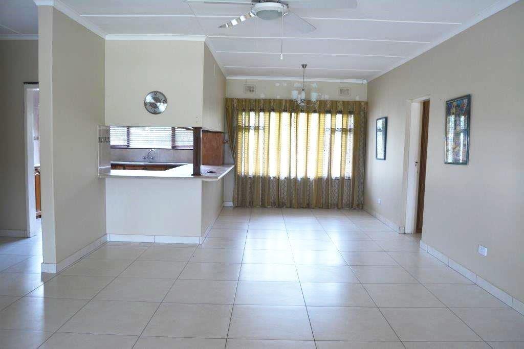 Sea Park property for sale. Ref No: 13283841. Picture no 5