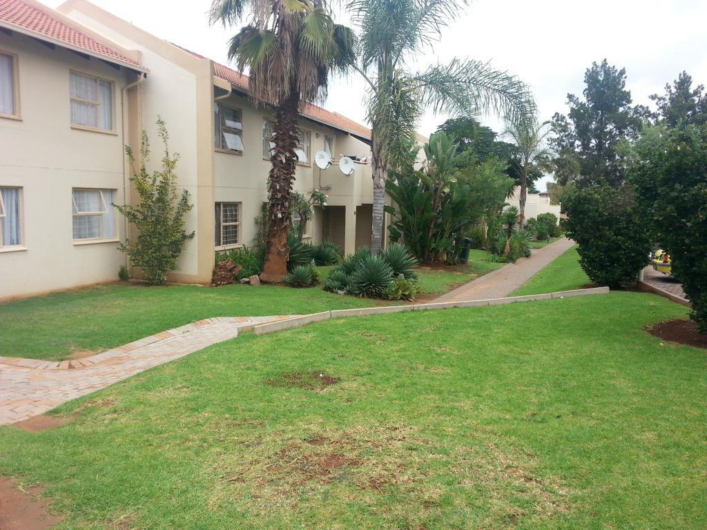Die Hoewes property to rent. Ref No: 13441064. Picture no 4