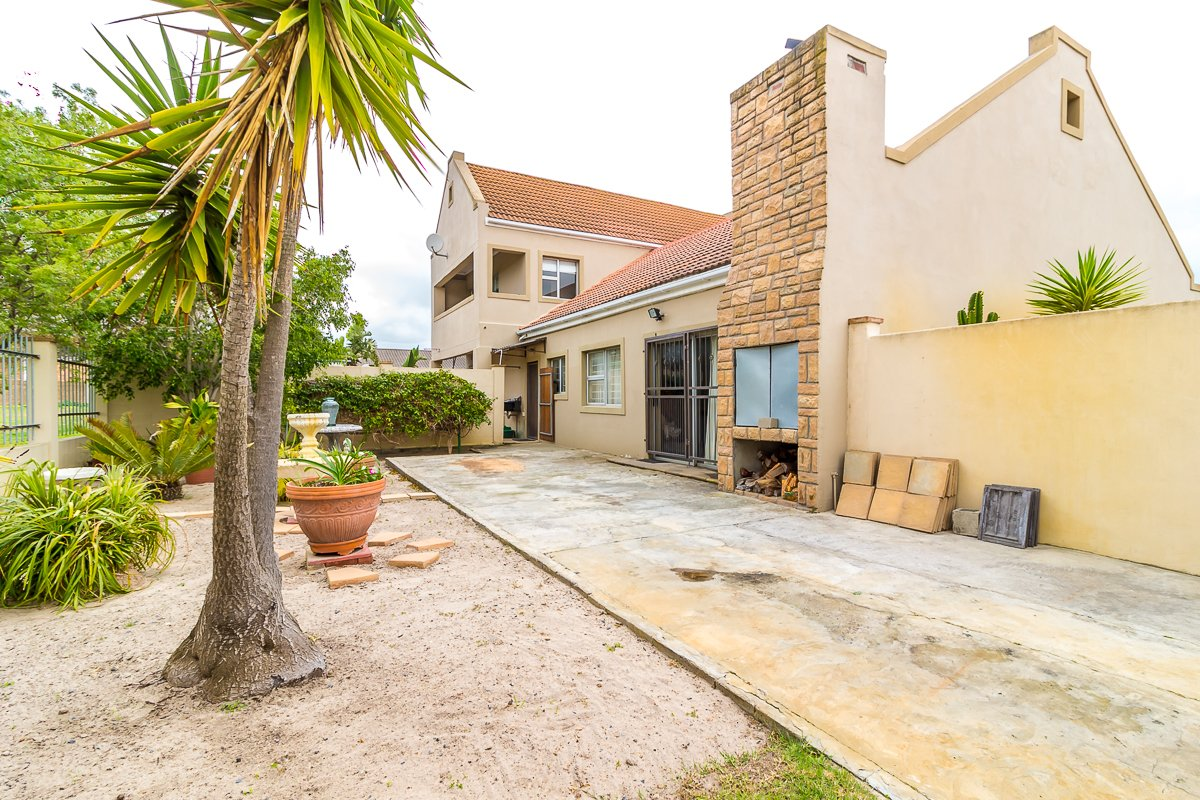 Eikenbosch property for sale. Ref No: 13681621. Picture no 21