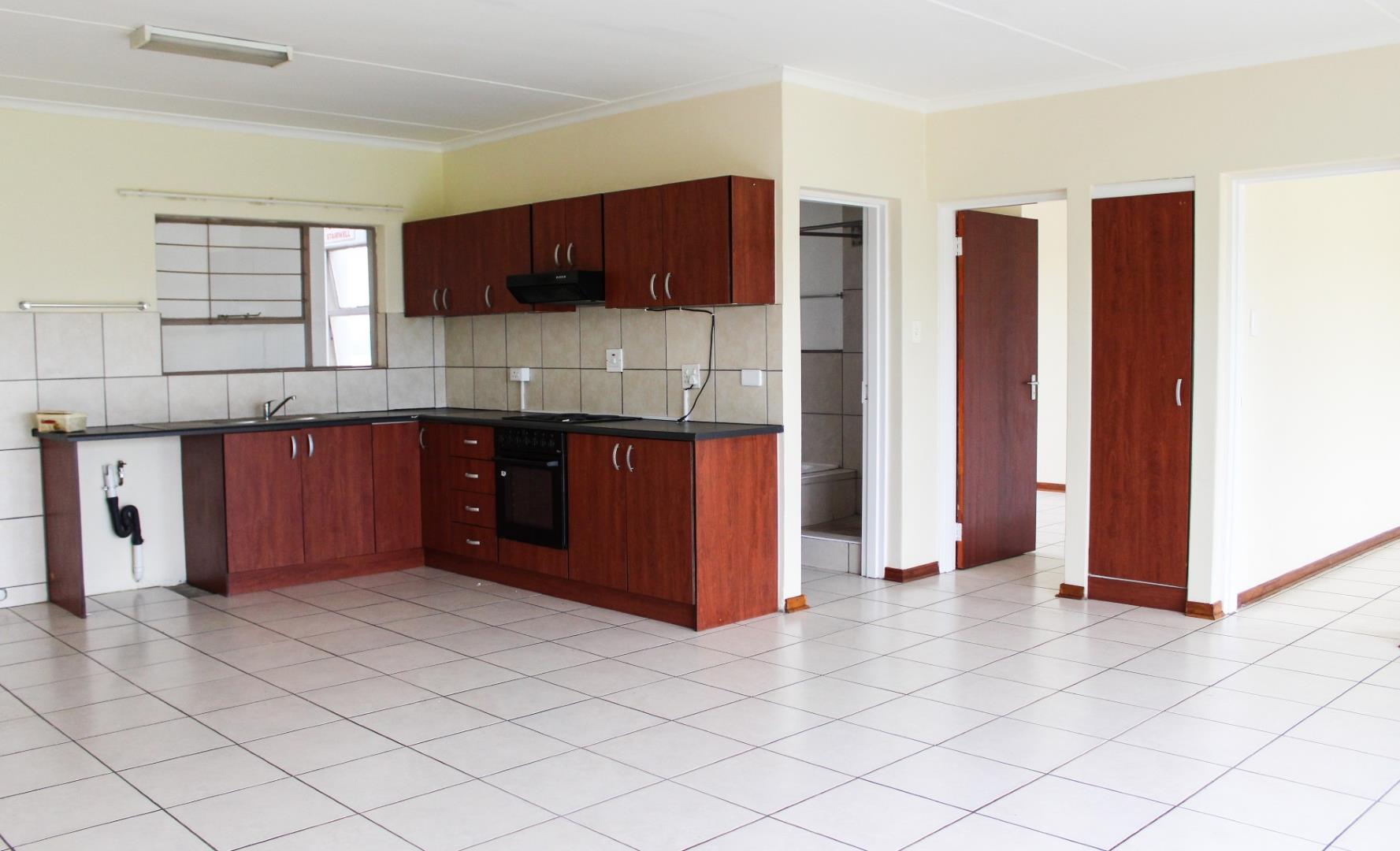 Ravenswood property for sale. Ref No: 13528082. Picture no 2