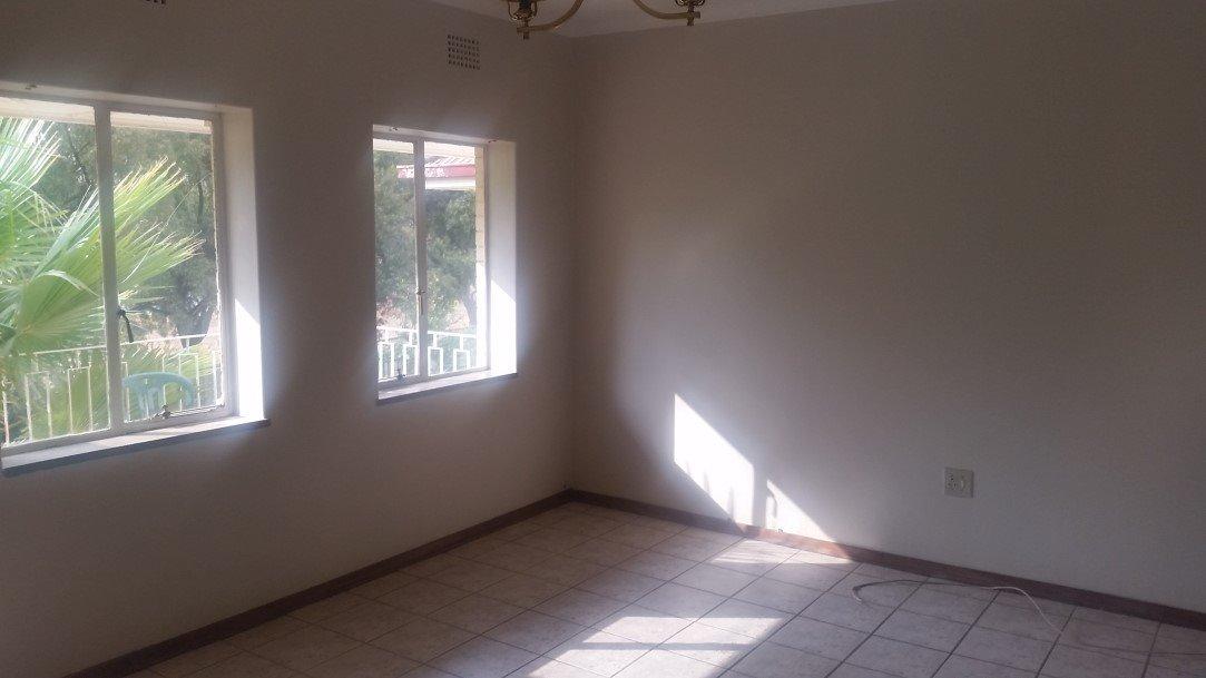 Three Rivers Proper property for sale. Ref No: 13230267. Picture no 5