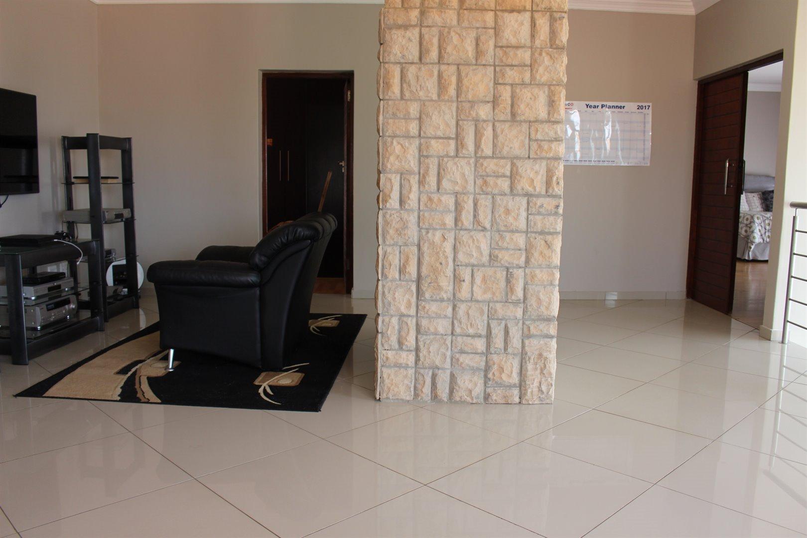 Stone Ridge Country Estate property for sale. Ref No: 13506069. Picture no 24
