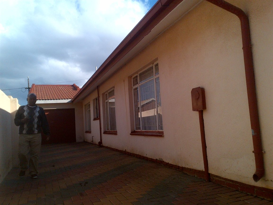 Sebokeng Zone 17 property for sale. Ref No: 12790084. Picture no 13