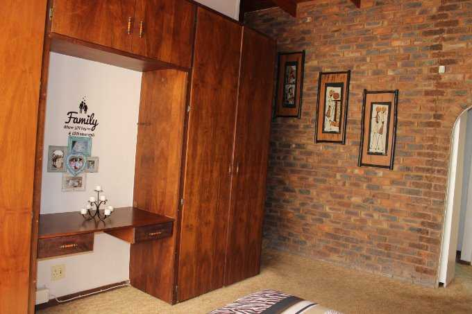 Theresapark property for sale. Ref No: 13568221. Picture no 12