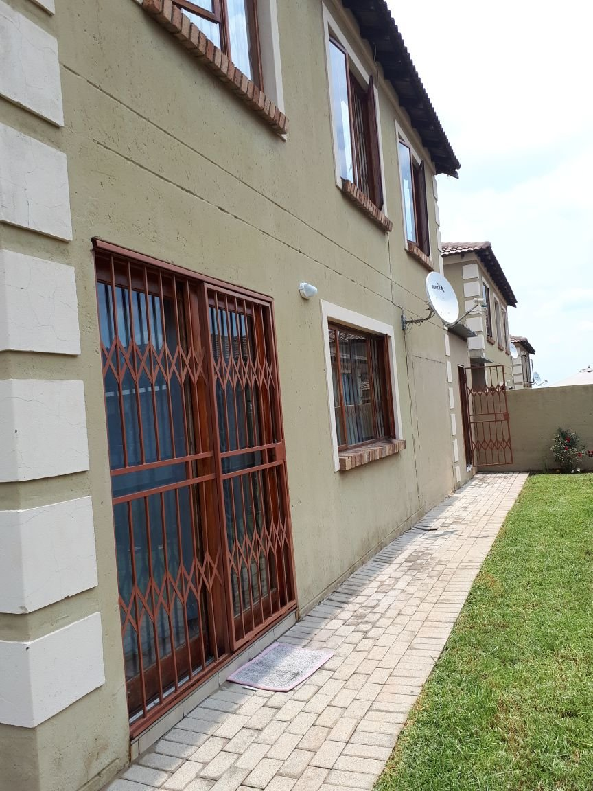 Centurion, Arundo Estate Property  | Houses For Sale Arundo Estate, Arundo Estate, Townhouse 3 bedrooms property for sale Price:1,365,000