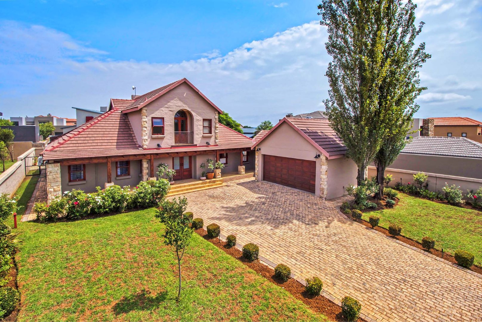 Property and Houses for sale in Silverwoods Country Estate, House, 4 Bedrooms - ZAR 2,850,000