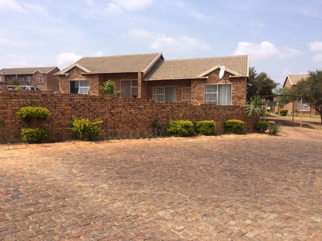 Centurion, Arundo Estate Property  | Houses For Sale Arundo Estate, Arundo Estate, Townhouse 2 bedrooms property for sale Price:760,000