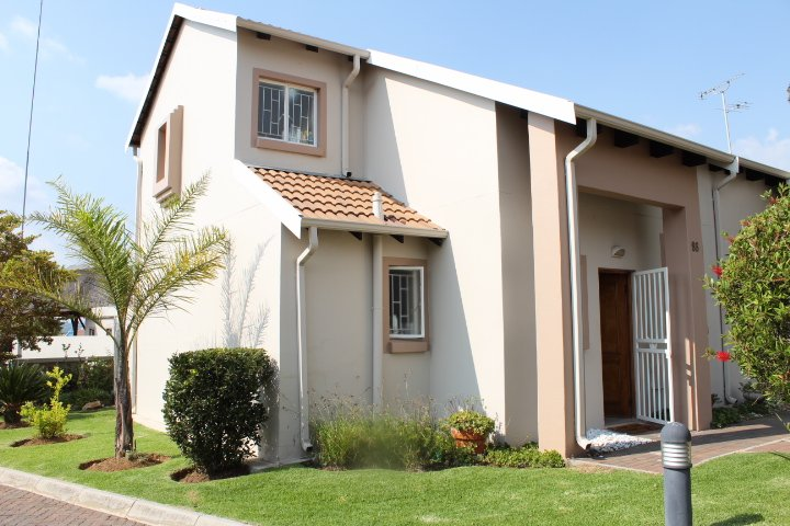 Greenstone Hill, Aloe Ridge Estate Property  | Houses For Sale Aloe Ridge Estate, Aloe Ridge Estate, Townhouse 3 bedrooms property for sale Price:1,295,000