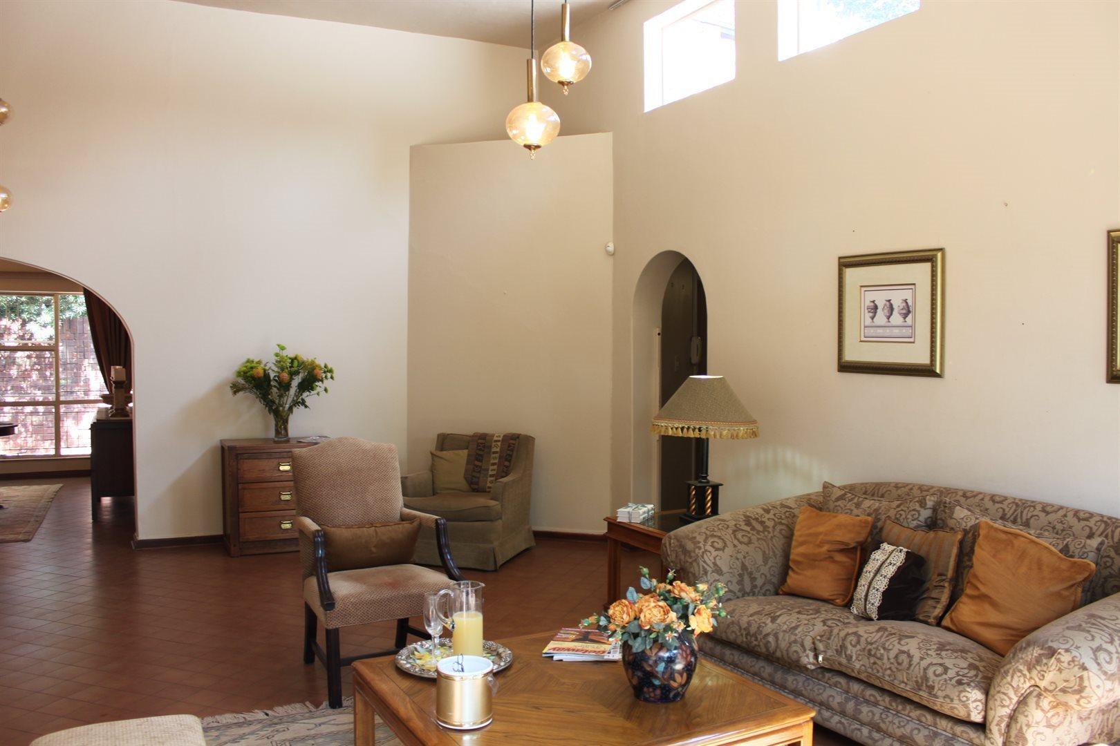 Waterkloof Ridge property to rent. Ref No: 13539553. Picture no 12