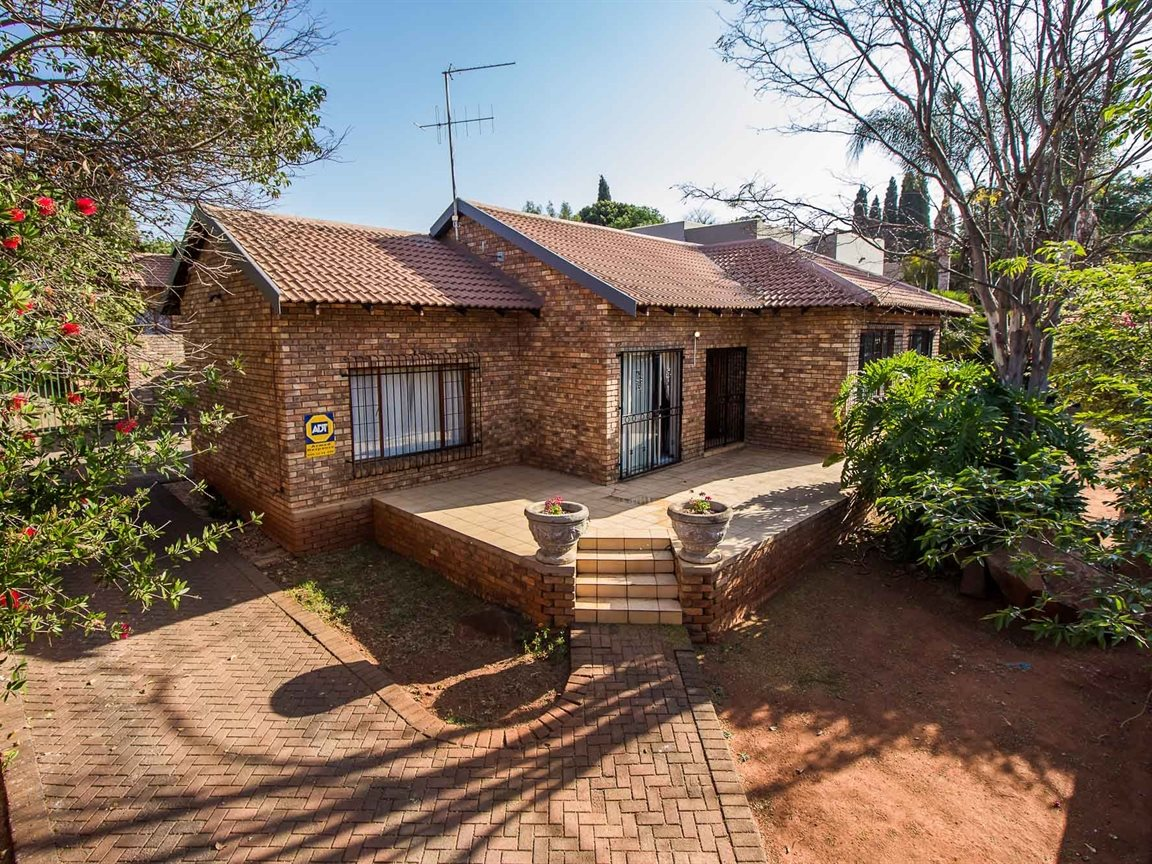 Pretoria, Garsfontein Property  | Houses For Sale Garsfontein, Garsfontein, House 3 bedrooms property for sale Price:1,350,000
