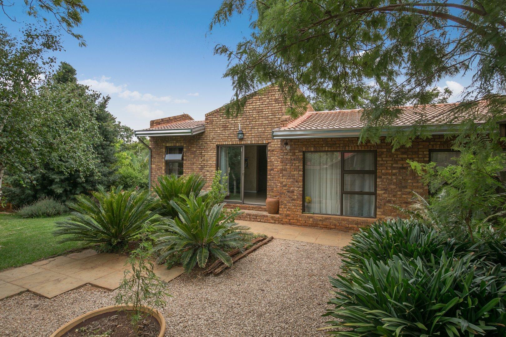 Johannesburg, Mulbarton Property  | Houses For Sale Mulbarton, Mulbarton, House 3 bedrooms property for sale Price:2,400,000