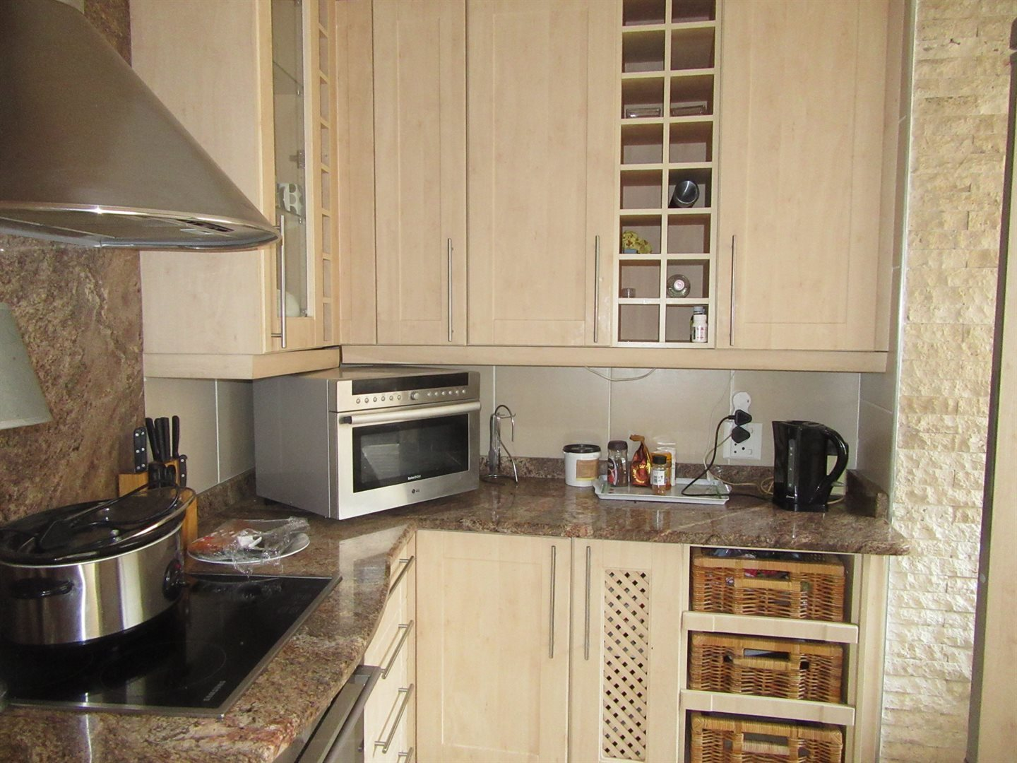 Bryanston East property for sale. Ref No: 13533607. Picture no 10