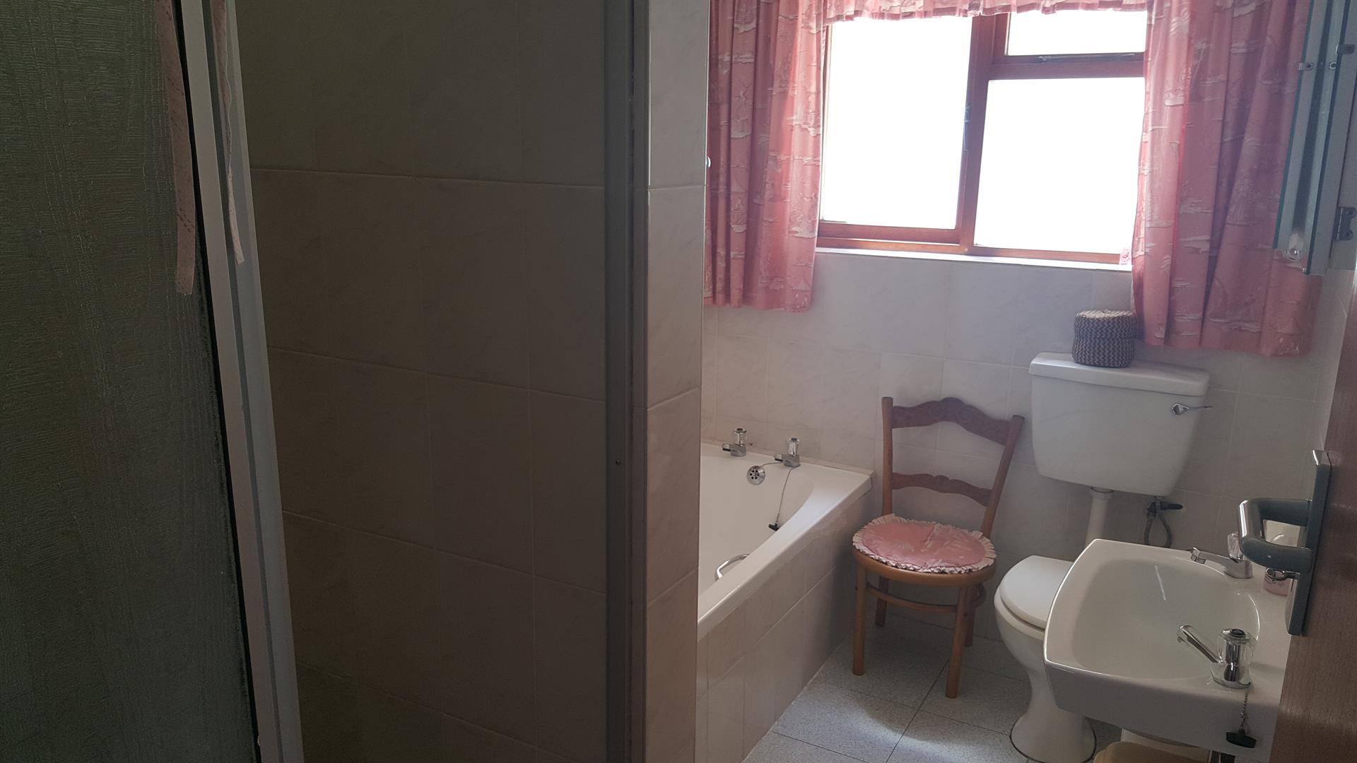 Yzerfontein property for sale. Ref No: 13454155. Picture no 34
