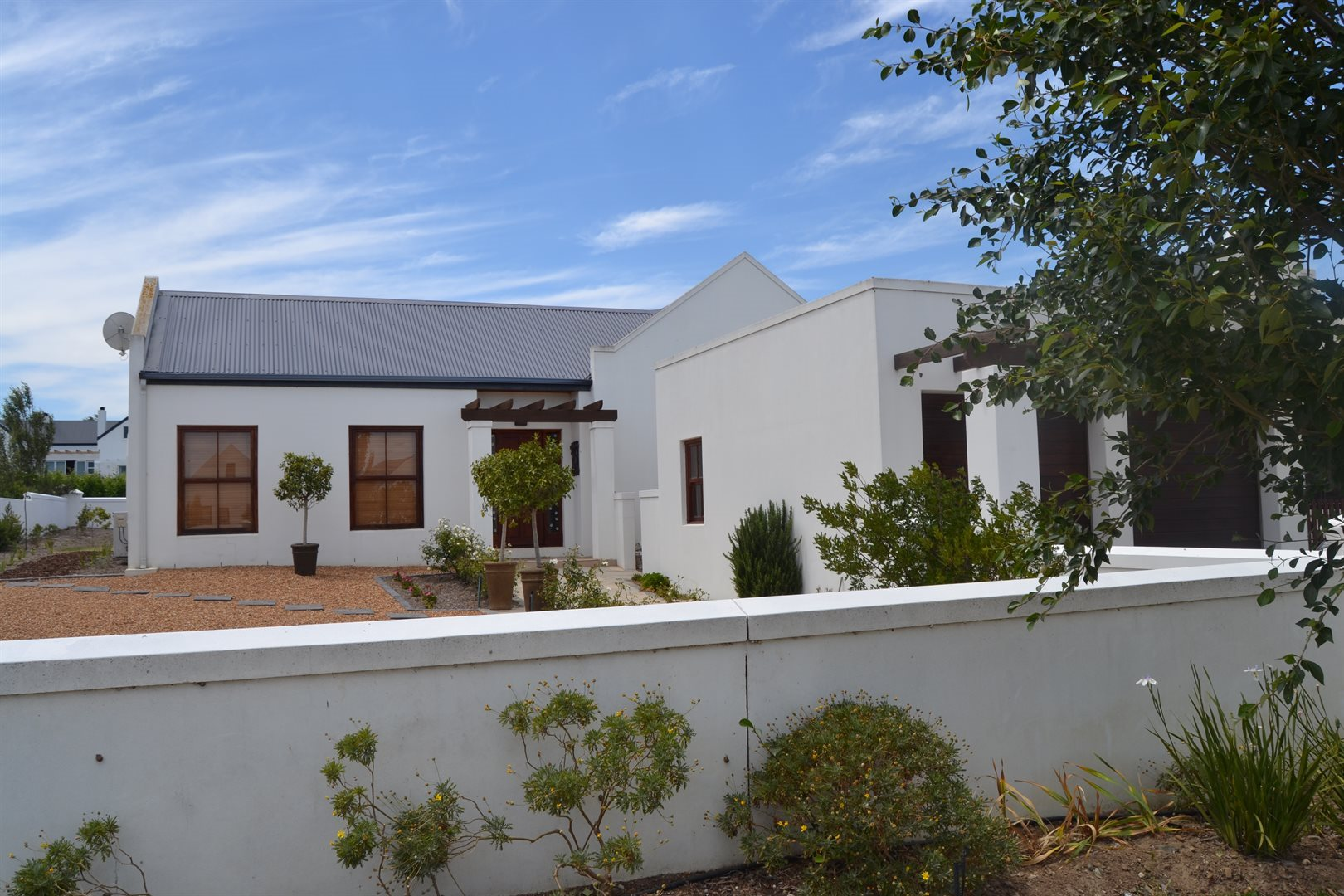 Property and Houses for sale in Somerset West (All), House, 4 Bedrooms - ZAR 3,700,000