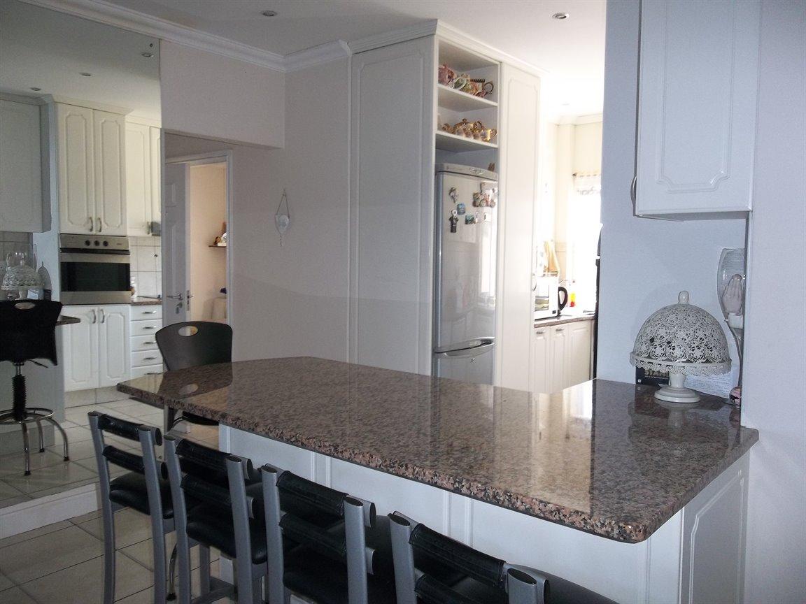 Amanzimtoti property for sale. Ref No: 13400263. Picture no 24