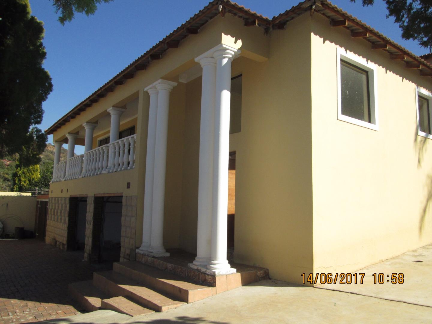 Mondeor property for sale. Ref No: 13526240. Picture no 1