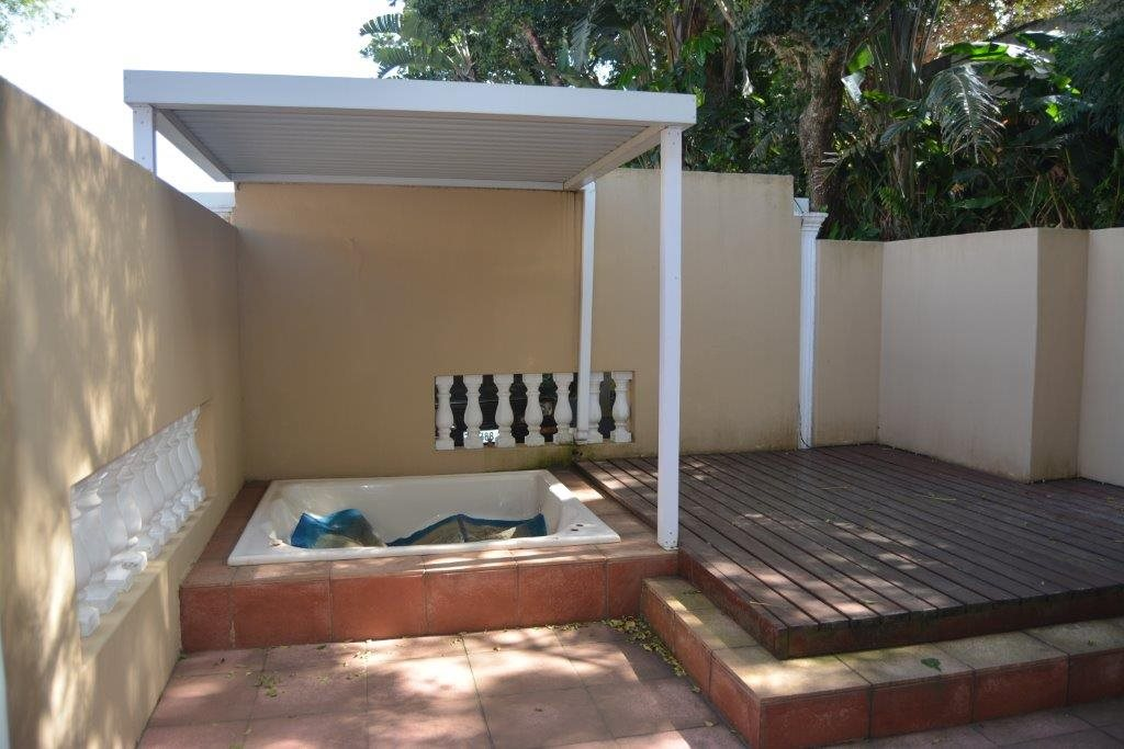 Uvongo property for sale. Ref No: 13323562. Picture no 30