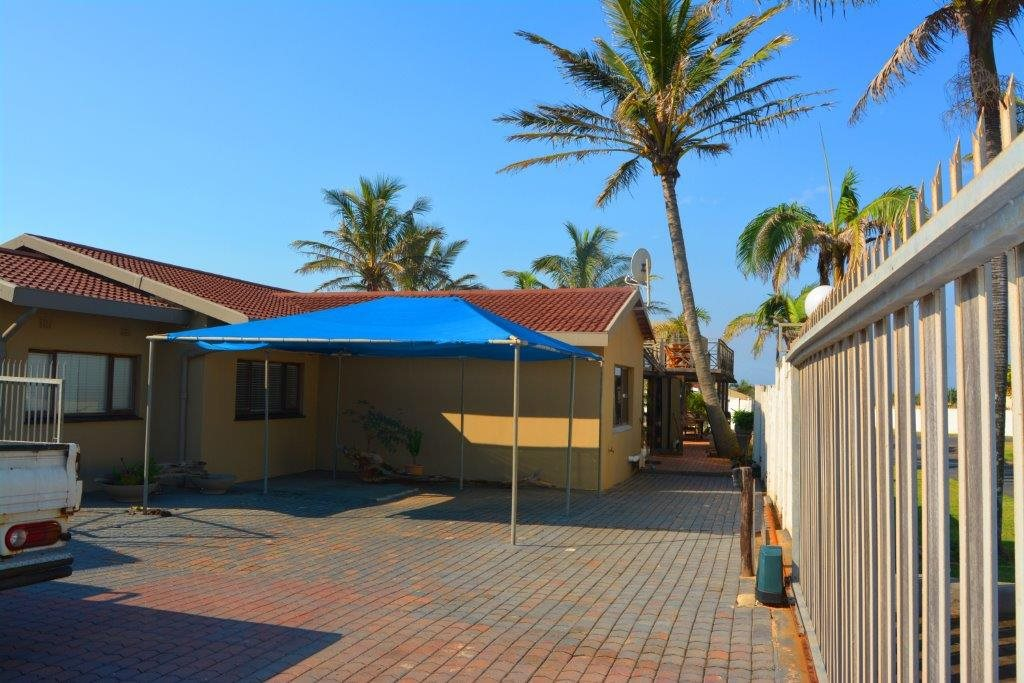 Shelly Beach property for sale. Ref No: 12794927. Picture no 29