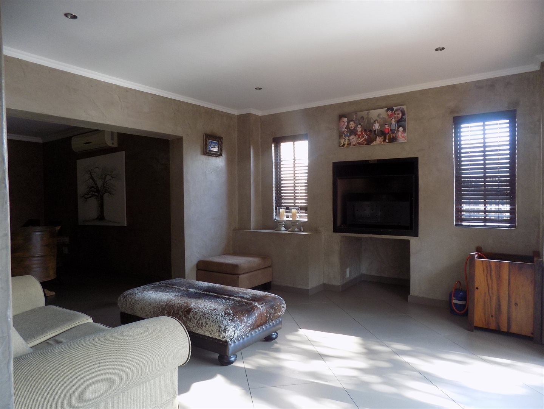 Eldoglen property to rent. Ref No: 13543361. Picture no 6