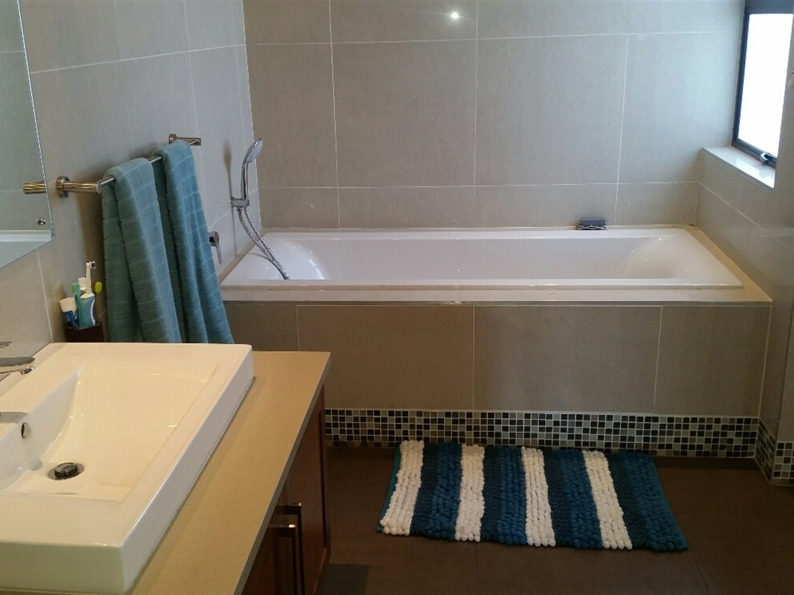 Midlands Estate property for sale. Ref No: 13368159. Picture no 11