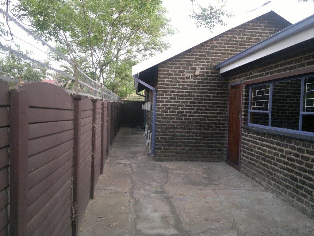 Bedworth Park property for sale. Ref No: 12764516. Picture no 10