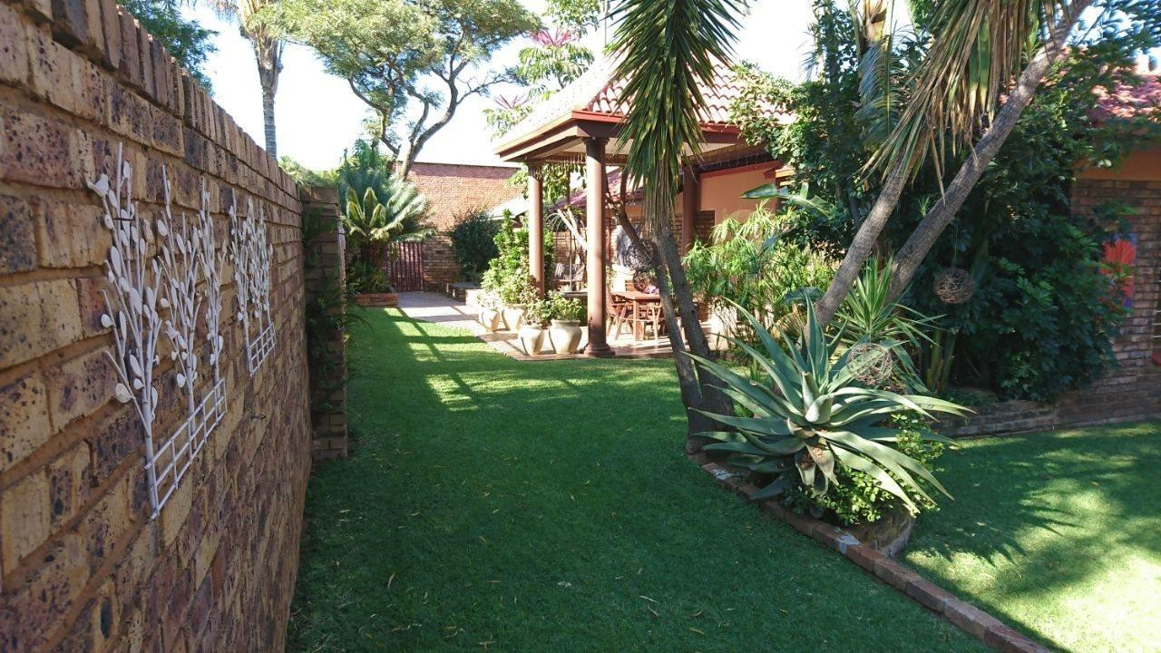 Theresapark property for sale. Ref No: 13566719. Picture no 5